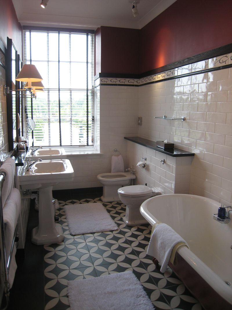 La salle de bain rétro des suites du Gleneagles-Copyright Laurence Gounel